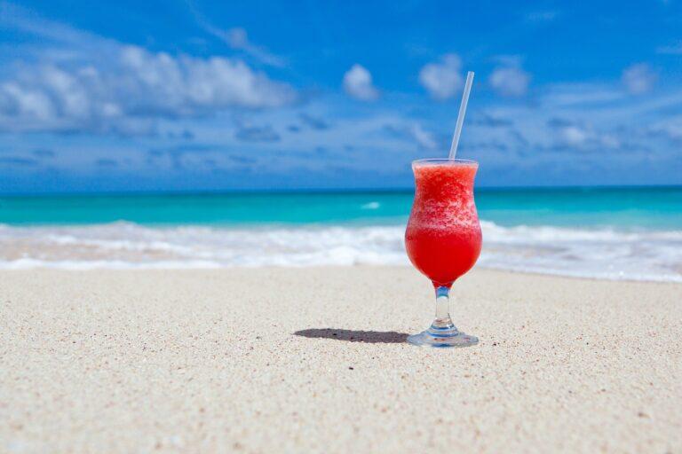 Foto Strand Meer mit Cocktail
